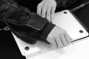 MacBookAir_battery_replacement_04